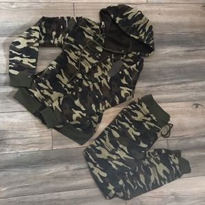 Other - Camo Suit